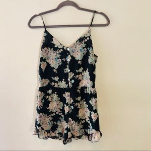 HONEY PUNCH SPAGHETTI STRAP FLORAL ROMPER